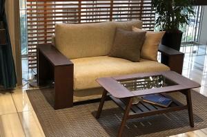 人気のアコードソファに木アーム仕様が追加されました