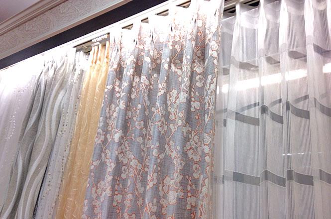 華やかなカーテンで新生活をスタート