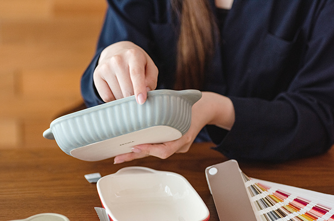 試行錯誤の末に完成した、実用性とデザイン性を兼ね備えた新しいオーブン皿