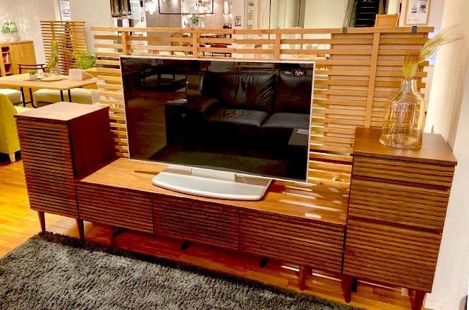 【新宿店】格子のデザインが印象的なTV(テレビ)ボード