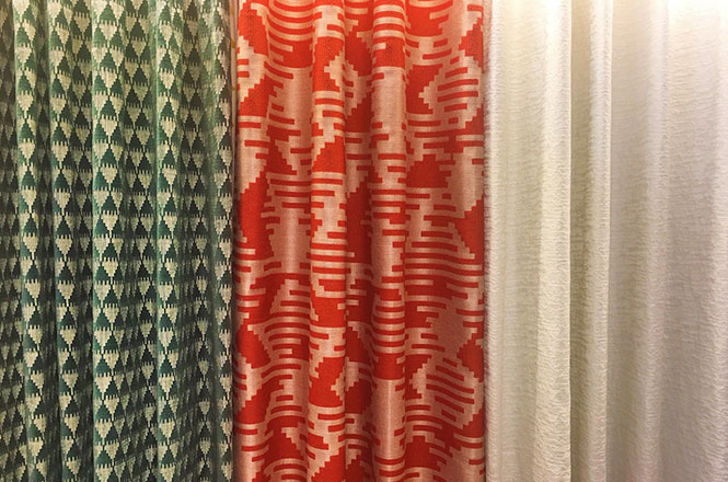 【青山店】クリスマスとお正月にぴったりのカーテン